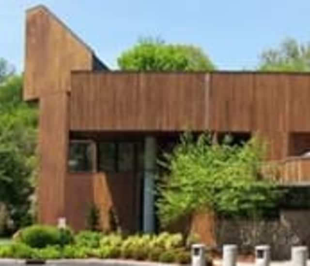 Scarsdale Synagogue Temples Tremont and Emanu-El have implemented the Welcoming Year program for new members.