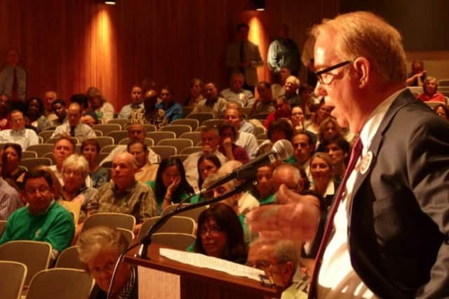 One of several meetings that drew a large turnout of White Plains residents to discuss use of the Ridgeway Country Club property.