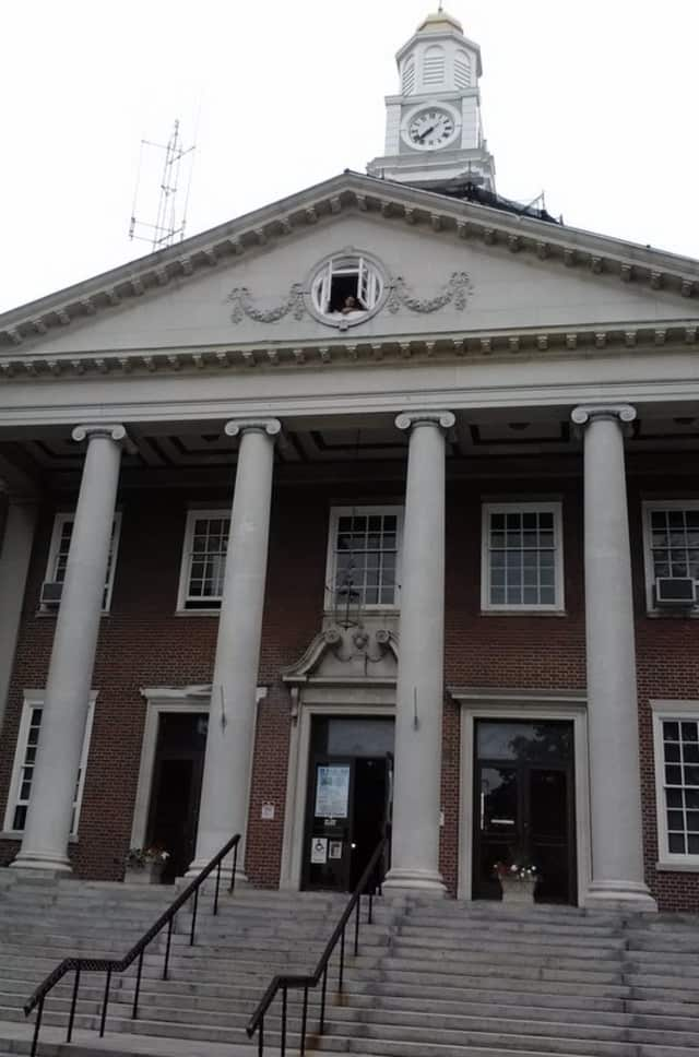 Five people will be honored at the Mount Vernon City Council Chambers in City Hall