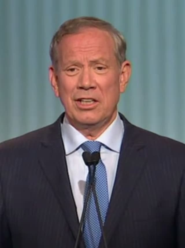 Gov. George Pataki during Thursday's debate in Cleveland.