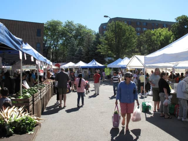 The Ossining Farmers Market is one of the finalists in the DVLicious contest.