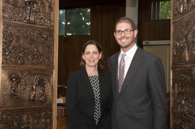 Scarsdale Synagogue Temples Tremont and Emanu-El President Ellen Baken poses with Rabbi Jeffrey Brown.