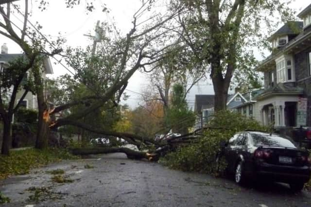 Learn how to prepare for an emergency, such as  during storms, at a training class on Sunday.