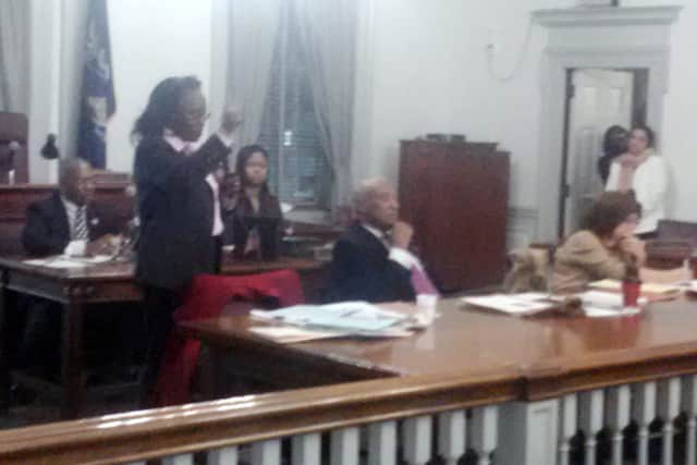 Mount Vernon Comptroller Maureen Walker, the top aide to Mount Vernon Mayor Ernest Davis, could get a six-figure payout from the city stemming from a 2008 lawsuit.