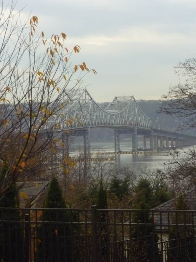 A task force will examine options for mass transit on the Tappan Zee Bridge and the I-287 corridor.