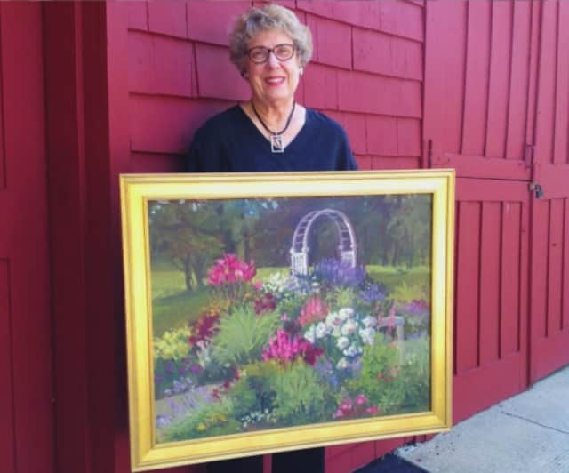 Ann Kromer has exhibited throughout the United States, most recently at the Salmagundi Club in New York City, and her works are in many private collections.