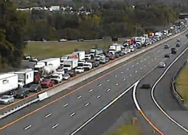 A look at the delays on I-87 in Rockland several miles east of the accident scene near Exit 14B.