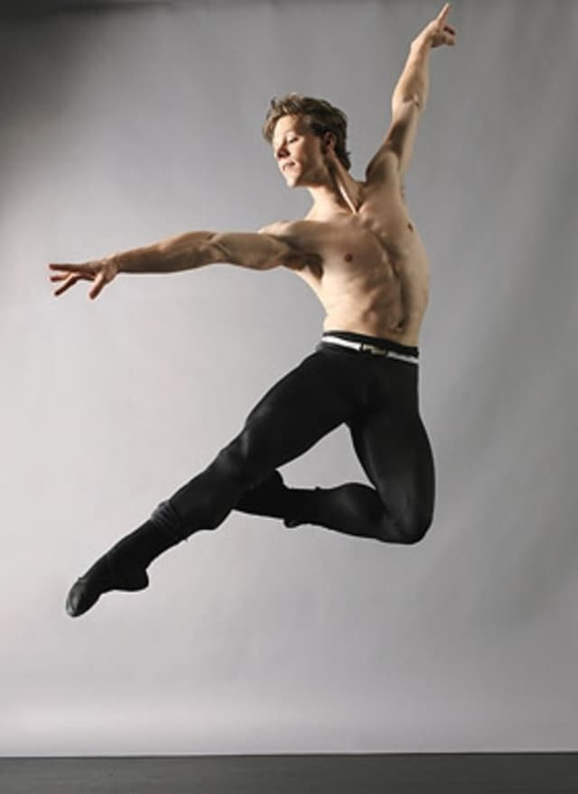 Dancer Daniel Ulbricht will teach a ballet class at the JCC of Mid-Westchester on the Scarsdale-New Rochelle town line.