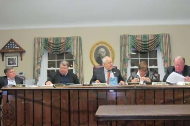 The Pelham Town Board unanimously approved the 2013 budget on Monday night.