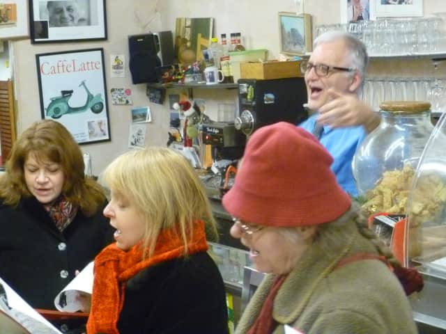 The Hudson Valley Singers visited the Rivertowns and caroled in several neighborhoods.