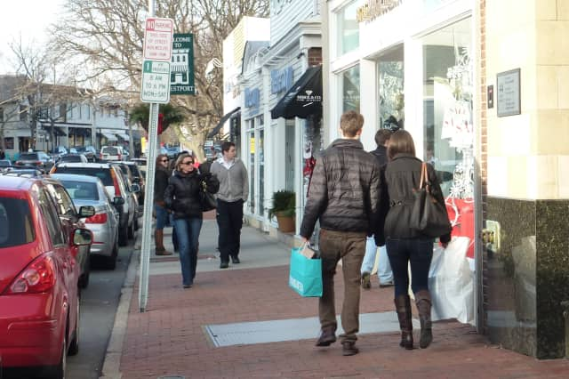 Through Saturday, Dec. 24, holiday shoppers in downtown Westport will have the option of having their vehicles parked via the fully insured professional valet service, Valet Park of America.