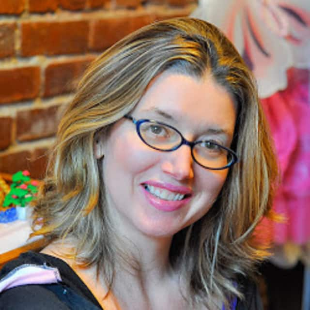 Join local author Lena Roy Wednesday for the Bedford Hills Free Library's new tween book group.