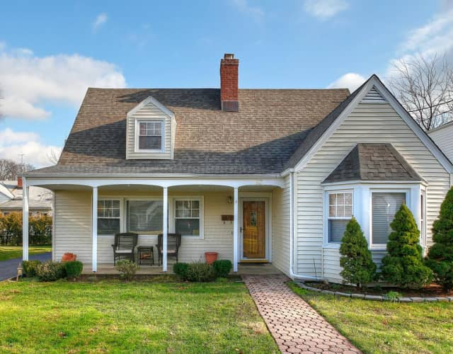 There are two open houses around Eastchester this weekend.