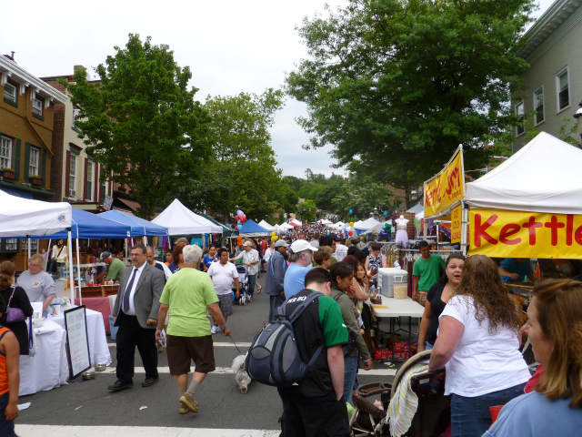You can upload events, such as the annual Tarrytown Street Fair, to our community calendar.