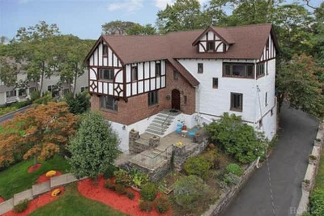 There are a number of open houses in Mamaroneck and Larchmont this weekend.