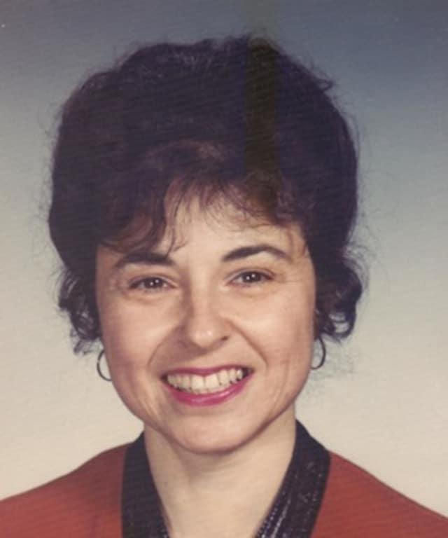 Dr. Julia Boxer Peyser