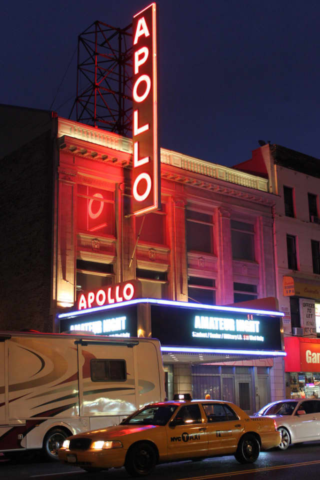 A pair of Mount Vernon residents will be featured at the famous Apollo Theater.