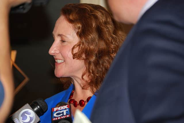 U.S. Rep. Elizabeth Esty helped a city veteran recoup his National Guard bonuses.