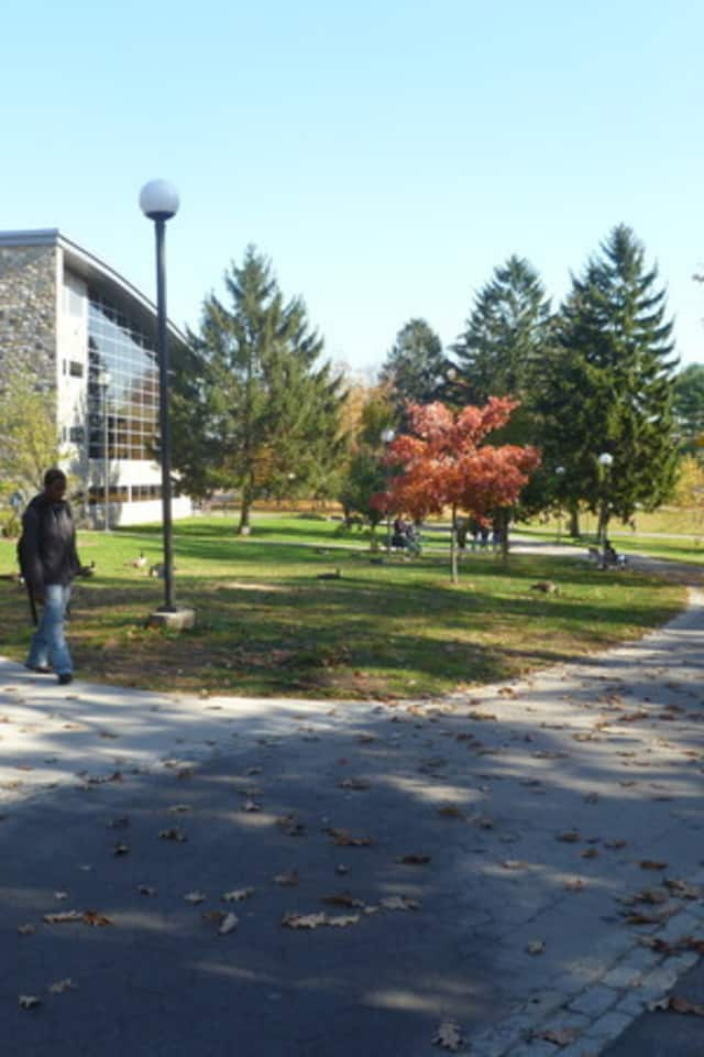 Westchester Community College students will hold a rally to call for the state to improve walkways near the college in Valhalla.