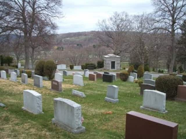 Qingming rituals at Kensico Cemetery in Valhalla were highlighted in the New York Times.