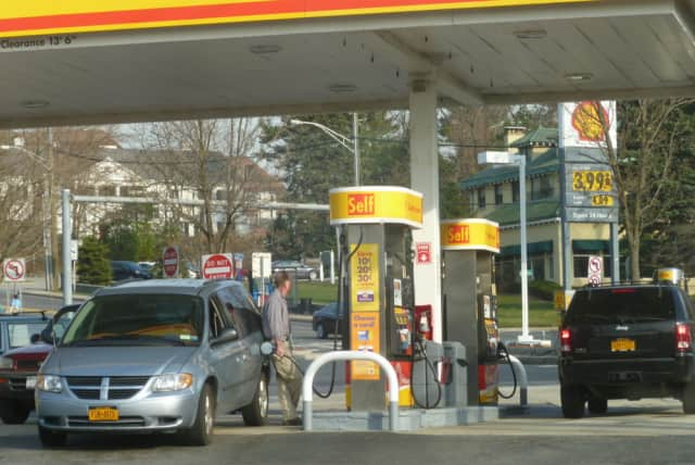 Motorists around Tarrytown, Sleepy Hollow and Irvington have seen a slight drop in the price of gas at the pump.