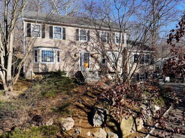 The home at 254 New Canaan Road in Wilton recently sold for $667,000.