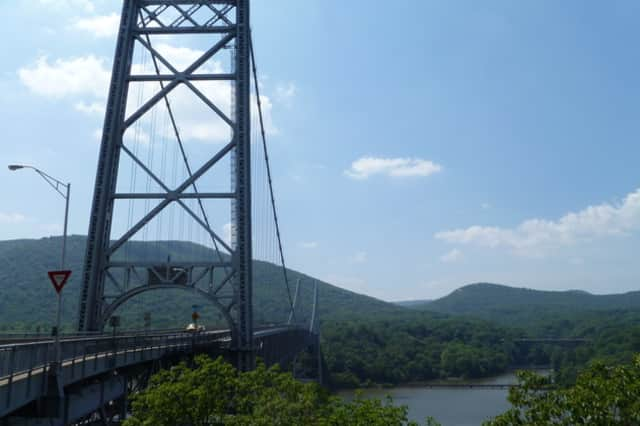 A Chappaqua man jumped to his death from the Bear Mountain Bridge Wednesday morning.