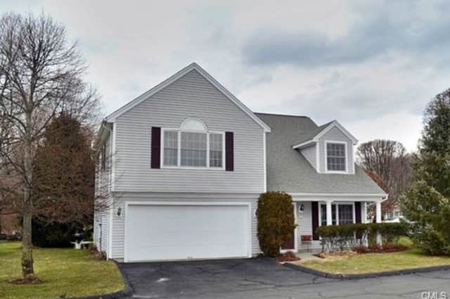 A condo at 32 Village Court in Wilton recently sold for $559,100.