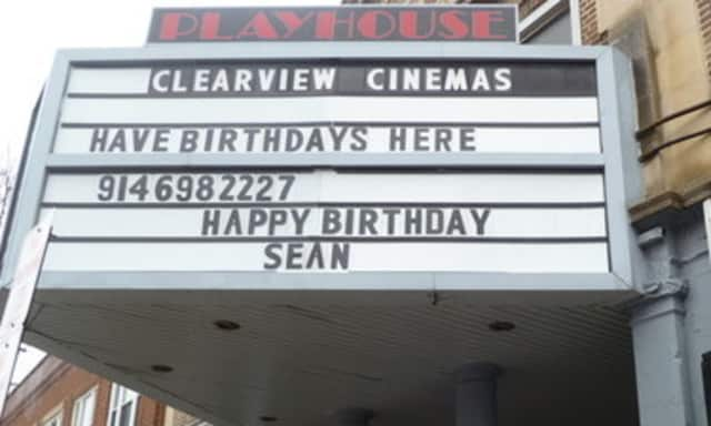 Cablevision has entered into an agreement to sell 41 of its Clearview Cinema theaters to Bow Tie Cinema.