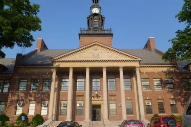 Port Chester Board of Education candidates will meet in Port Chester High School Tuesday to discuss school issues.