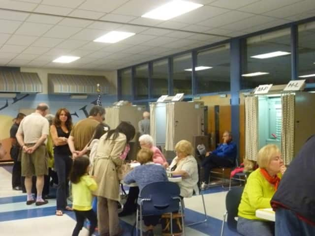 The Ardsley Board of Education will hold a hearing on the 2013-14 school budget before residents vote on May 21.