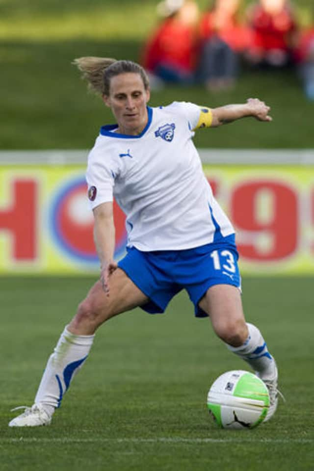 Wilton sports legend Kristine Lilly will return to her hometown on Tuesday, Dec. 27, in a visit to the Comstock Community Center.