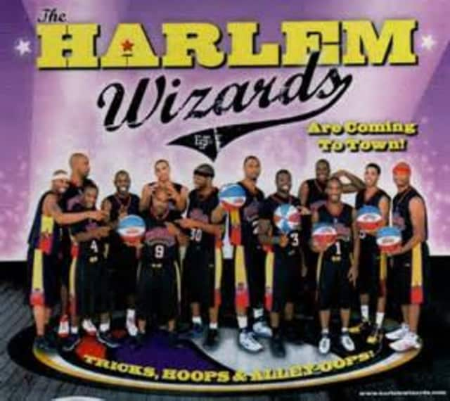 The Greenburgh Falcons community basketball team will face the Harlem Wizards in a fundraiser for Woodlands Middle School.