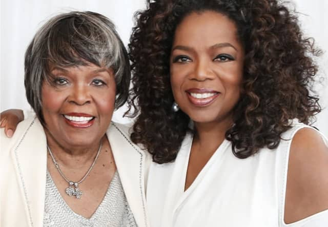 Oprah with her mom, Vernita Lee.