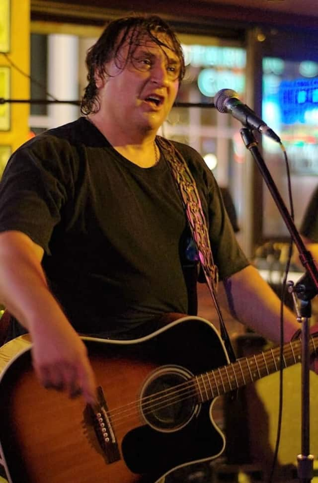 Joe D'Urso of Park Ridge will be on stage for a concert to benefit hunger Sunday, Nov. 20 in Park Ridge.