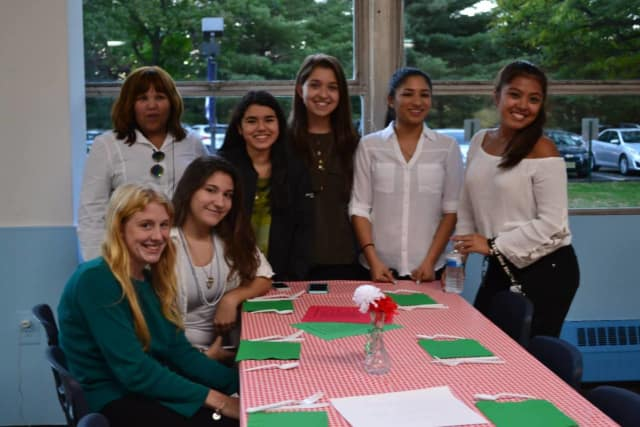 Immaculate Conception High School seniors had a pasta dinner fundraiser.