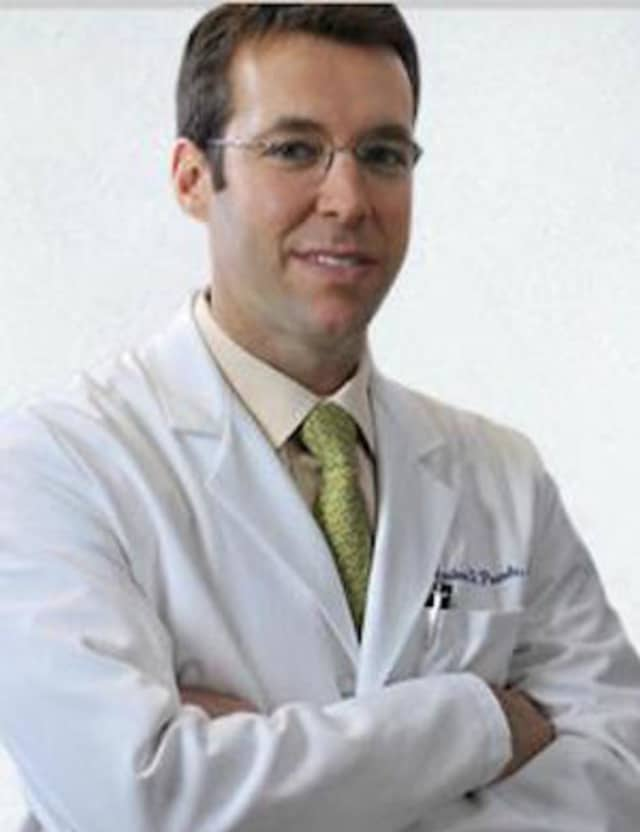 Andrew D. Pearle, MD, will lead a discussion at the Hospital for Special Surgery Outpatient Center in Stamford on treatment of knee arthritis on Oct. 14.