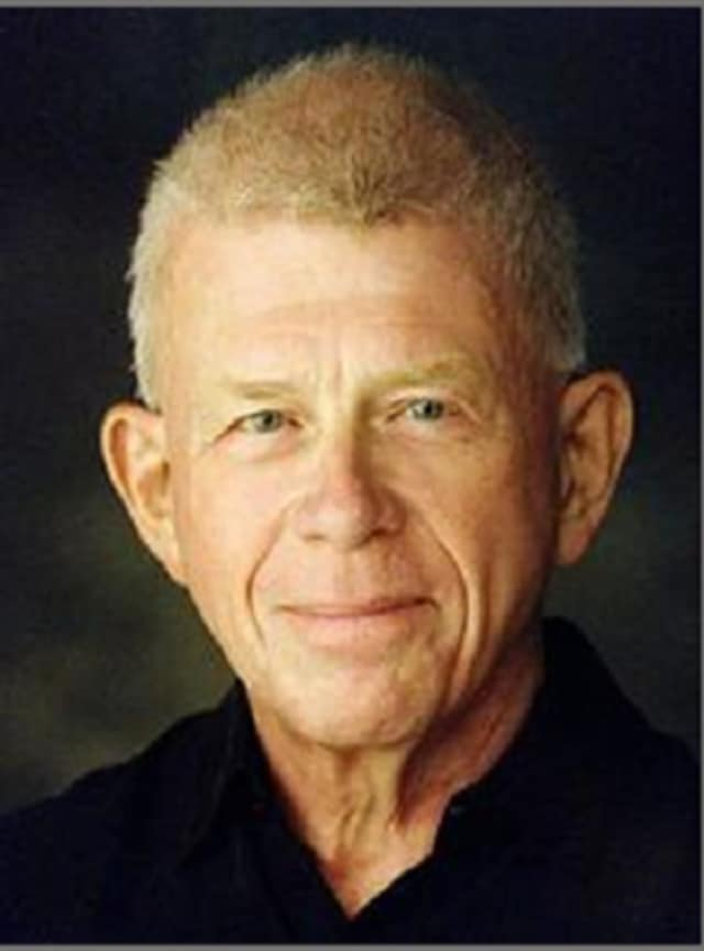 Philip Hagemann conducts the Rockland County Choral Society