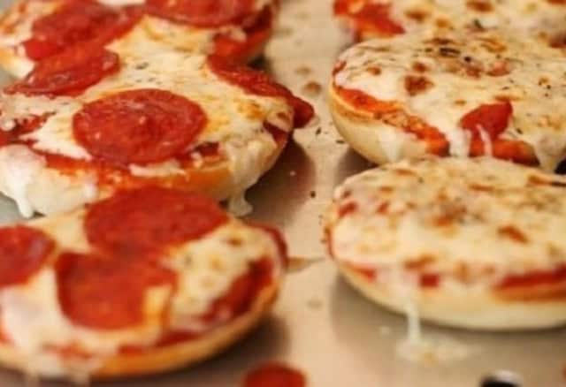 A new Bergenfield restaurant will offer an extensive menu of pizza bagels.
