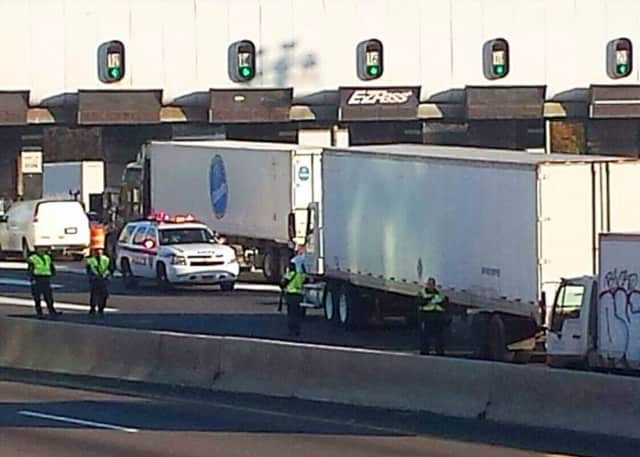 Port Authority police worked a special early morning GWB toll cheat detail.