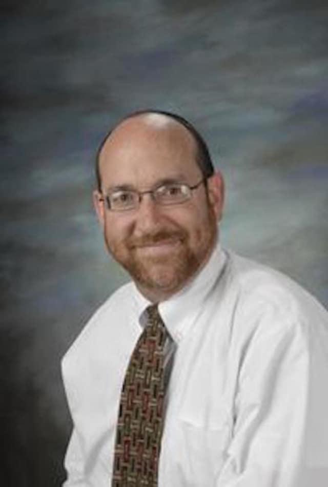 Rabbi Elisha Paul, head of the Jewish School of Connecticut, will head up the gala event honoring Stamford's Mimi Cohen.