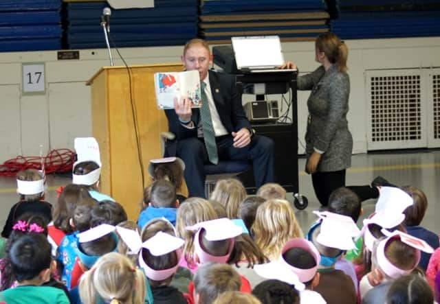 State Rep. Stephen Harding takes the time to read to young students at Brookfield Center Elementary School.