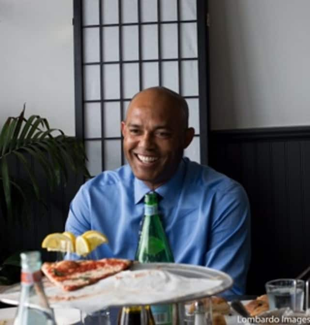 Yankees great Mariano Rivera was spotted enjoying some pizza at Patsy's in New Rochelle recently.