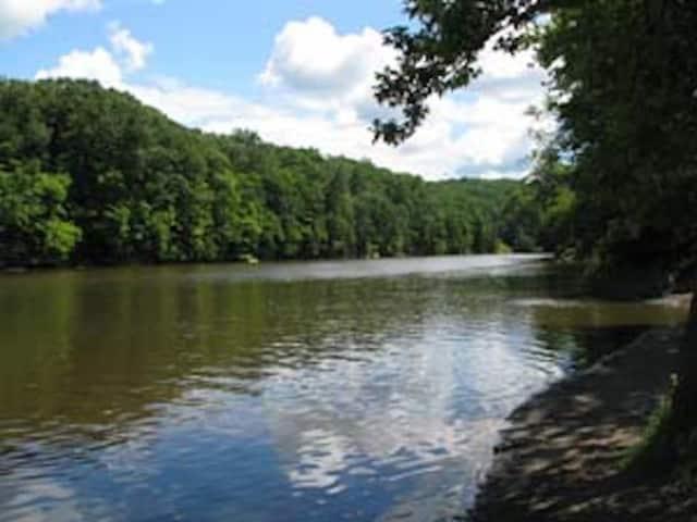 Roundout Creek