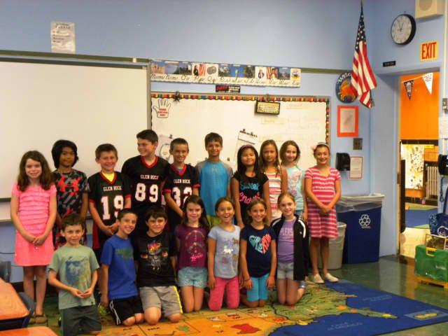Students in Cynthia Lota's fourth grade class at Richard E. Byrd Elementary School in Glen Rock sang along.
