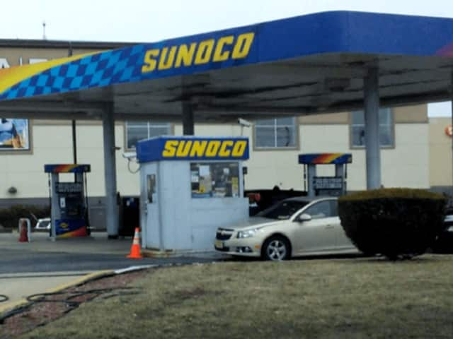 Sunoco on westbound Route 3 in Clifton.