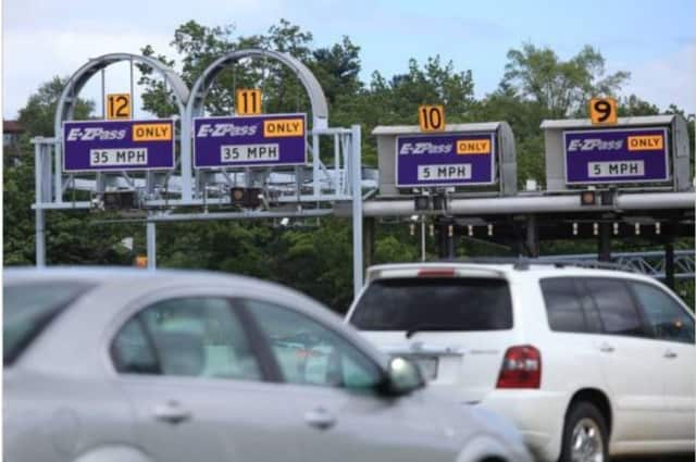 E-ZPass toll discounts will only be extended to people with New York E-ZPass tags.