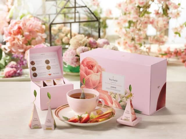 The New York Botanical Garden and Tea Forté team for the Jardin Collection of teas and cups inspired by Pierre-Joseph Redouté botanical prints from the Rare Book & Folio Room of the garden's LuEsther T. Mertz Library. Courtesy Tea Forté.