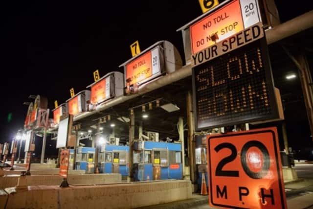 Work on demolition of the old Tappan Zee Bridge toll plaza will require some lane closures this weekend.