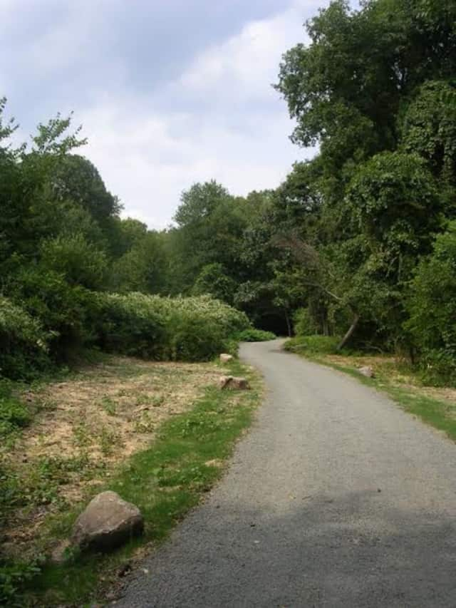 A new section of the Norwalk River Valley Trail is now open the public in Wilton.